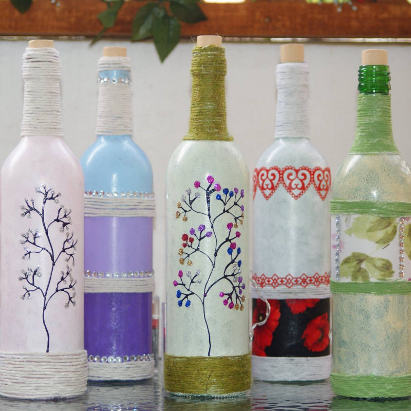 Posh-Glass - Hand Painted glass from wineglasses to lamps with hand painted shades & pictures, made in Norwich Norfolk. All glass is fully washable, non toxic and fade resistant. - Deepdale Christmas Market - Christmas shopping for presents, decorations and great food & drink from 100+ stalls in large marquees around the Dalegate Market shops & café and in St Marys Church - A fabulous start to the festive season & a great reason to visit the beautiful North Norfolk Coast, England, UK - Friday 2nd, Saturday 3rd & Sunday 4th December 2016