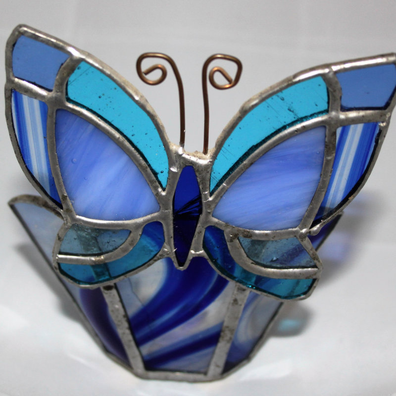 Stained Glass Designs - Wide variety of bespoke homemade stained glass from lamps, window pieces, sun catchers, animals to christmas decorations. - Deepdale Christmas Market at Dalegate Market | Shopping & Cafe - Friday 1st, Saturday 2nd & Sunday 3rd December 2017 - Christmas shopping for presents, decorations and great food & drink from 120+ stalls in large marquees around the Dalegate Market shops & café and in St Marys Church at the Deepdale Christmas Market, North Norfolk Coast