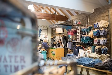Fat Face Clothing & Accessories - Fat Face the active life style brand. Check out our range of mens, women's and kids clothing and accessories. Get kitted out today in their shop at Dalegate Market on the north Norfolk coast. - Deepdale Spring Market | Friday 29th to Sunday 31st March 2019